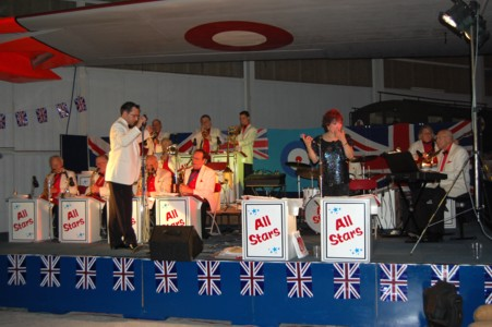 Live Music of the fabulous 40's with Paul Drakeley and his All Star Band and Singers.